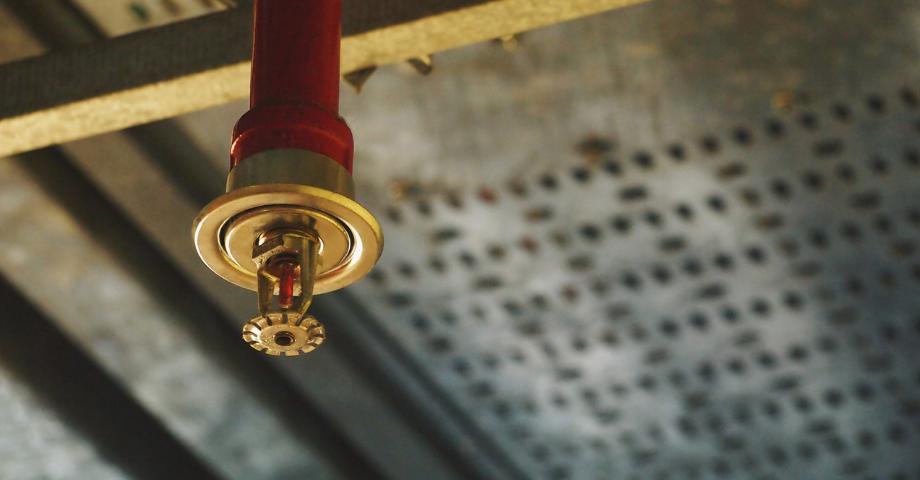 Dry vs. Sprinkler Data Center Fire Suppression Systems