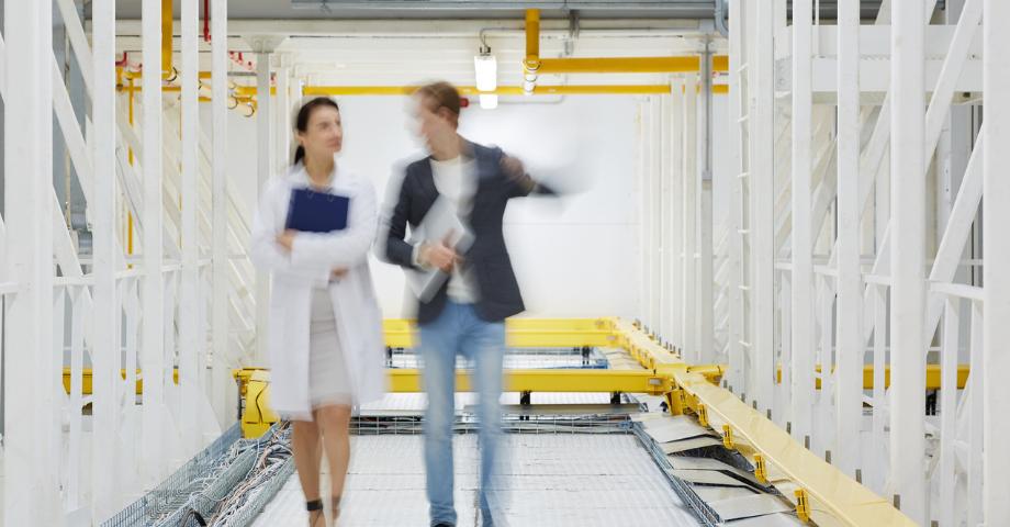 Should Colocation Facilities Prebuild Data Center Capacity?